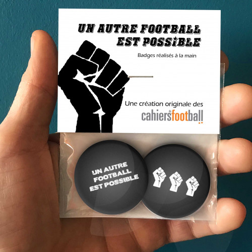 Badges Un autre football est possible.