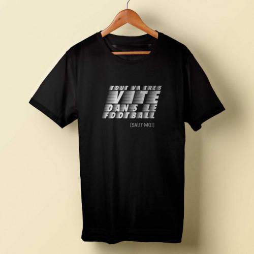 T-shirt homme noir Tout va très vite dans le football